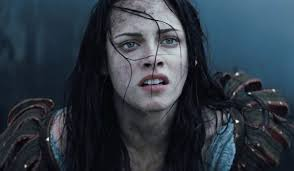 Why Kristen Stewart Was <b>Happy</b> To Not Be Part Of The <b>Huntsman</b> ...
