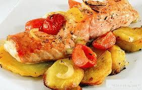 Pink losos sa krompirom je odlična kombinacija!Recepti горбуши с ...