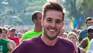'Ridiculously Photogenic Guy' Zeddie Little becomes Internet ...