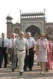 President Vladimir Putin visited the <b>Taj Mahal</b> in Agra • President of ...