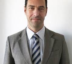 Javier Ortega, de Equivalenza. Con el objetivo de potenciar la calidad y el servicio con su red de licenciatarios, la firma de perfumería de alta calidad a ... - javier-ortega-250x224