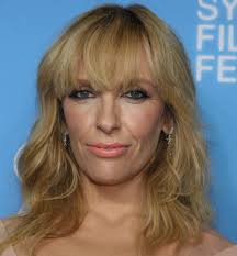Toni Collette Weight Click to close ... - toni-collette-1