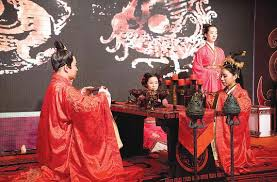 <b>Traditional</b> Han <b>weddings</b> back in style - Lifestyle - <b>China</b> Daily