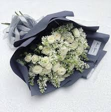 Купить <b>Букет</b> с розами <b>Первый снег</b> в интернет-магазине Вам ...