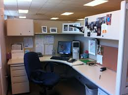 awesome simple office decor men office desk decorating ideas image of cubicle decorations ideas awesome simple home office