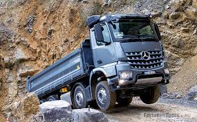 Строительный грузовик <b>Mercedes</b>-<b>Benz Arocs</b> 4142 (8x4/4)