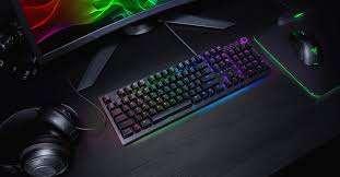 <b>Razer's</b> Huntsman <b>gaming</b> keyboard includes the <b>Mamba Elite</b> ...