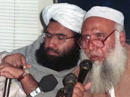 Pakistan militant Maulana Masood Azhar resurfaces, ignites fears of attacks. Pakistani cleric Maulana Masood Azhar (L) adjusts his watch during a news ... - Maulana_Masood_Azhar_reuters_360x270