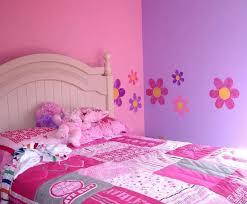 Colori Per Dipingere Le Pareti Del Bagno : Come decorare una parete tante idee tra stencil e pittura foto