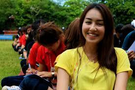 college freshmen give added boost to my world campaign in thailand dpuicfreshman