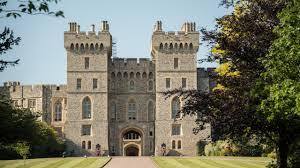 Where Does <b>Queen</b> Elizabeth <b>Live</b>? | Architectural Digest
