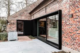 Black Window Frames For New Modern Exterior - Black window frames for new modern exterior