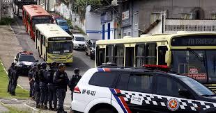 Resultado de imagem para fotos de assaltantes de Ônibus em sãoluis 2016