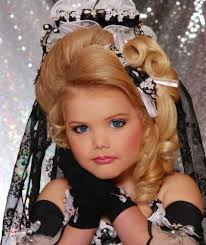 beauty pageants draw children and criticism abc news could child beauty pageants be banned in the usa