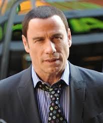 Römisch-katholisch erzogen, hat John Travolta im Jahr 1975 zu Scientology gewechselt. Bis heute ist er, wie Tom Cruise, ein sehr aktives Mitglied, ... - scientology-promis-john-travolta-121786