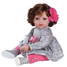 Дарим мы, конечно, куклу!