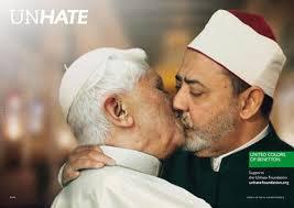 Modeunternehmen zieht nach Vatikan-Protest Bild aus Schock-Kampagne zurück. Bild 1 von 6 © Bild: APA/EPA. Papst Benedikt XVI. und Imam Ahmed Mohamed el- ... - 11_news_artikel_panorama_welt_diverses_2011_sonstiges_benetton_kampagne_1