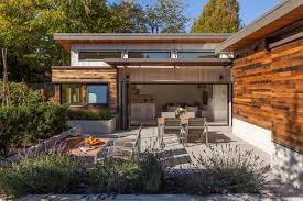 modern design   Small House BlissThe Two Birds laneway house  an energy efficient modern home   two bedrooms in