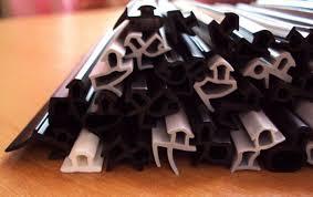 <b>Уплотнитель</b> для пластиковых окон: виды, установка, замена