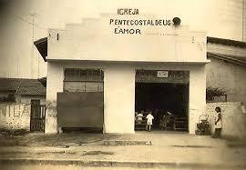 Resultado de imagem para IMAGENS DO DIABO FREQUENTANDO AS IGREJAS