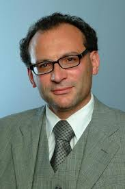PD Dr. <b>Pasquale Calabrese</b> Im fortgeschrittenen Lebensalter kommt es zu einer <b>...</b> - Calabrese