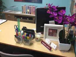 office table decoration ideas how to decorate office table mesmerizing with additional designing home inspiration with cheap office decorations