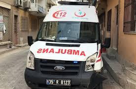 İzmir'de minibüsle ambulans çarpıştı