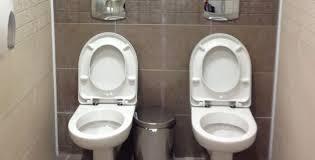 """Résultat de recherche d'images pour """"caricatures des toilettes capitalistes"""""""