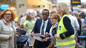 Flygstrejken fortsätter – 240 nya flygningar ställs in | SVT Nyheter