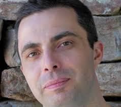 Manuel Osuna. BIOGRAFÍA. (Madrid, 1977) Licenciado en Odontología, se diplomó en Realización Audiovisual en la Escuela de Cine y TV Septima Ars y completó ... - manuel-osuna2