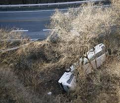 「スキーツアー長距離バス転落事故」の画像検索結果