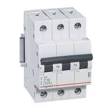 <b>Автоматический</b> трехполюсный <b>выключатель Legrand RX3</b> 4,5 кА ...