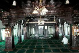a photo essay keralite islam between tradition and modernity this picture depicts the inside of the old mosque at kasargod