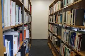 Hasil gambar untuk buku perpustakaan