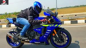 <b>Yamaha R1</b> First Ride India Review Akrapovic Exhaust #Bikes ...