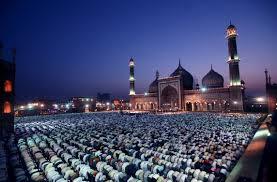 Hasil gambar untuk sholat jamaah di masjid