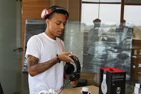 most popular tags for this image include bow wow visits beats by dre office beats by dre office
