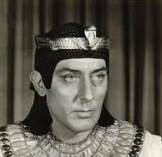 "The husband mentioned is Michael Wilding, who was 20 years older than Taylor. He'd just starred in The Egyptian. (Go here to fall down a ""What's My Line"" ... - Screen-Shot-2012-11-26-at-12.16.19-AM"