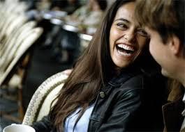 Resultado de imagen de jovenes riendo