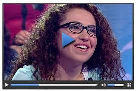 Konuşma şekli ve anlattıkları herkesin sempatisini kazananan yarışmacı Zeynep Bayraktar, yarışmada büyük bir başarı gösterdi. - httpvideonuzensonhabercomizleyarismacinin_anilari_kenan_isik_i_cok_guldurdu_5100