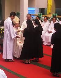 Kết quả hình ảnh cho nữ tu mến thánh giá tân việt