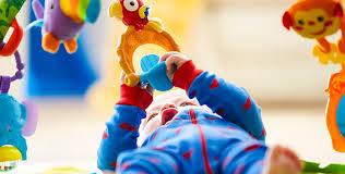 Игрушки для трехмесячных малышей - <b>Погремушки</b> и мобили ...