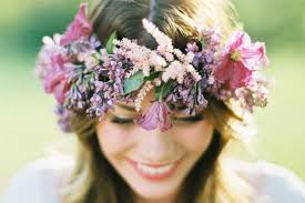 Tips and Ideas for Wearing Fresh <b>Flowers</b> in Your <b>Hair</b> for your ...