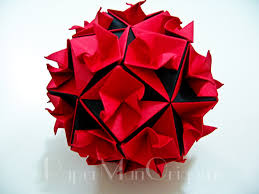 tomoko fuse floral origami globes a green and purple curves globe type iii base units the green units this model reminds me of roses this is also one of my wife s favorite model for