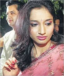 Shweta-Rahul Mahajan divorce case Gurgaon, Jan 24: A Gurgaon Sessions Court today postponed the hearing of Shweta and Rahul Mahajan's divorce case till ... - shaweta-RahulMahajan