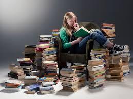 """""""reading books""""的图片搜索结果"""