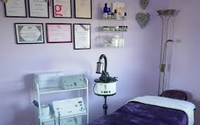 Top 20 places for Manicures near Oxgangs, Edinburgh - Treatwell