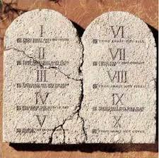 Resultado de imagem para fotos ou imagens de Abraão e do monte Sinai