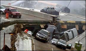 「minneapolis bridge collapse」の画像検索結果