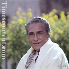 Ashok Kumar, Bollywood actor with par of excellence who dominated more than four decades in - Ashok-Kumar